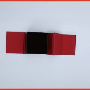 Magnetic paper box