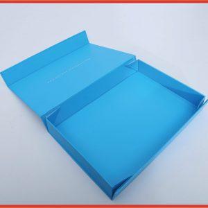 One-piece design foldable paper box